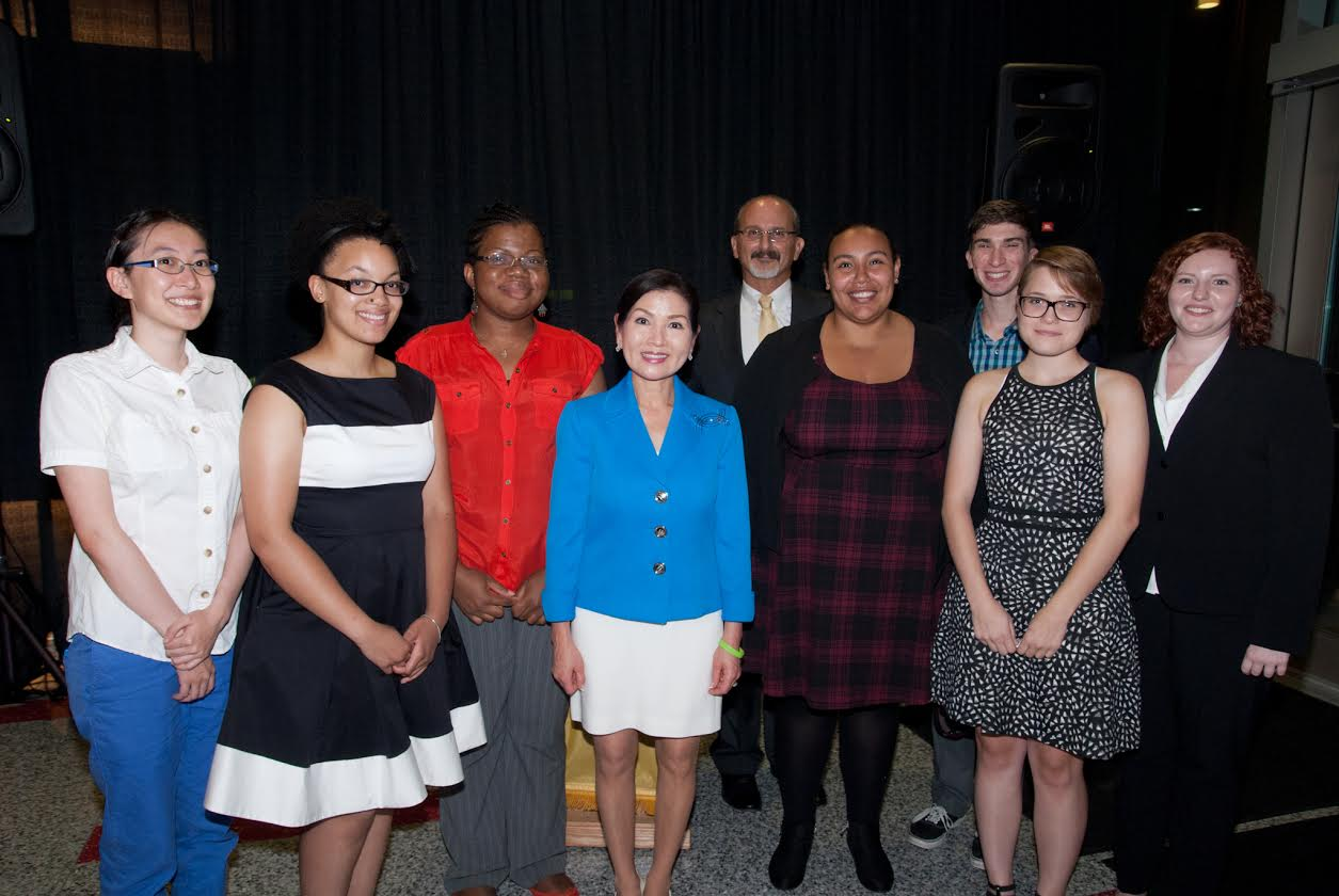 Asian Studies student volunteers and Director Vaporis with First Lady of Maryland, Mrs. Yumi Hogan
